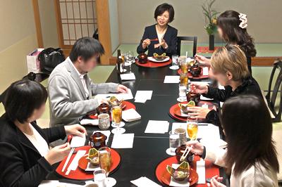 随縁亭様の美味しいお食事が皆さんの緊張をほぐしてくれました。