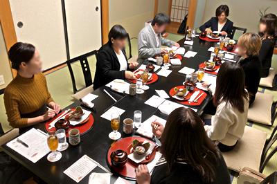 終盤になると雑談を交えながら賑やかにお食事を楽しめました。